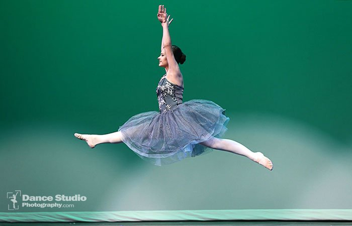 How-to-Photograph-Dance-Recitals-Like-a-pro-action