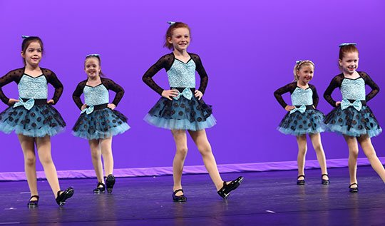 how-to-photograph-dance-recitals-group